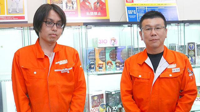 企業カラーのオレンジの作業着がおしゃれ