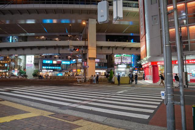 こちらは三軒茶屋駅前に残る「通りゃんせ」のメロディが流れる横断歩道。ライターのネッシーあやこさんに情報をいただき、編集部の藤原さんに現地を見てもらってきた