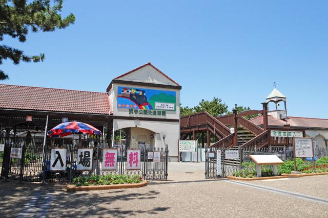 さっそく行ってみた。大阪府の中南部、高石市にある浜寺公園……の中にある「浜寺交通遊園」がその場所だ
