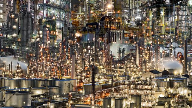 こういうめくるめく工場の海の夢を見ます