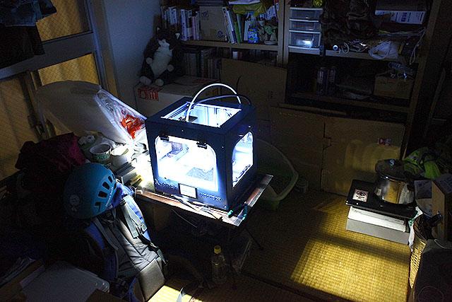 1日20時間程度働かされている3Dプリンターちゃん。ブラック職場でスマン。