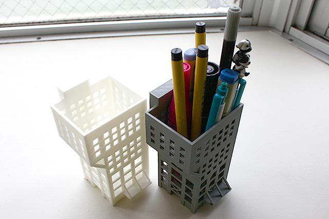 3Dプリンターがあれば、こういうのも好きなだけ作れます。団地貯金箱とかダムブックエンドとかマンホールマグネットとか作り放題!