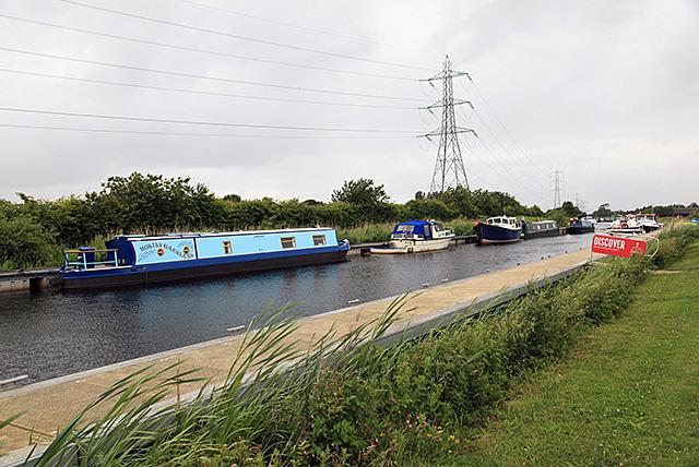 イギリスでもいくつか運河を見つけた