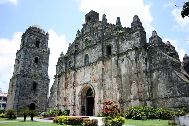 こういうの(「フィリピンのバロック様式教会群」パオアイのサン・オウガスチン教会)とかと比べて負けずとも劣らない価値を証明しなければならない