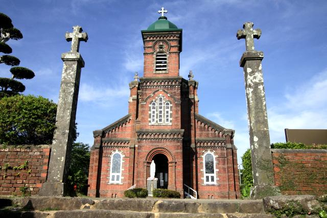 平戸島対岸の田平地区にある田平天主堂。カッコ良い教会ではあるものの、明治時代に新規開拓された土地にあることから「潜伏キリシタン関連遺産」では除外された