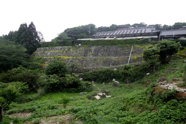 立派な石垣を持つ田代集落の民家。石積の技術もまた外海からもたらされた