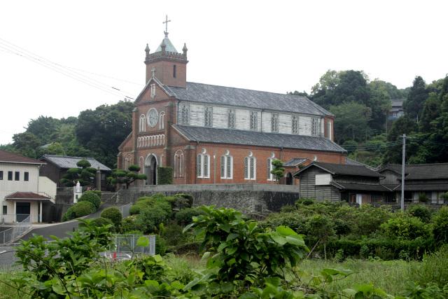 明治35年(1902年)に島の中心である名切集落に築かれた黒島天主堂は、2018年11月から2年間の修復工事に入り、外部も内部も見れなくなるとのこと