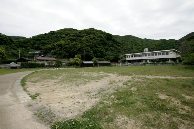 白浜集落の全景。これでも頭ヶ島で一番大きな集落で、他の住民は島内の各所に分散して暮らしている