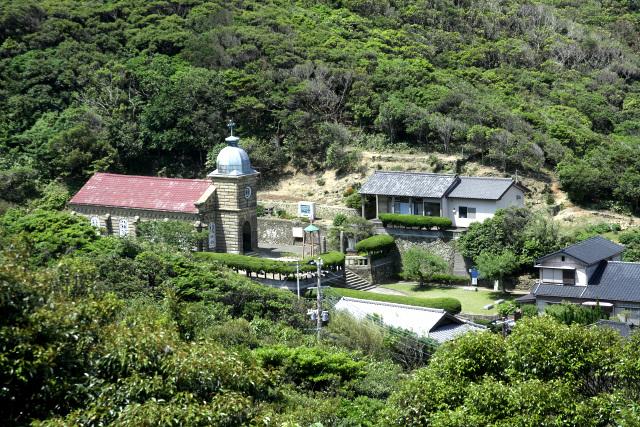 白浜集落にある頭ヶ島天主堂は、稀有な石造の教会堂として重要文化財に指定されている
