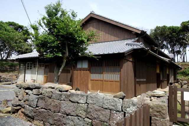 平成13年(2001年)まで野崎島に残っていた、沖ノ神島神社の神主邸