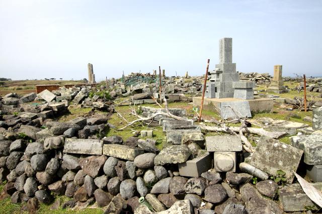 潜伏キリシタンの集落ではないので、墓地に並ぶ墓石は全て和式だ