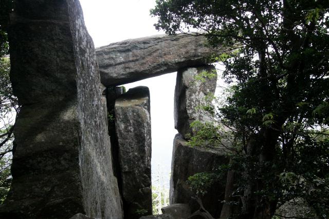 この御神体があるからこそ潜伏キリシタンは移住してきたわけで、王位石もまた重要な構成要素と言える(なので、せっかく野崎島に行くなら王位石トレッキングツアーに参加するのが良いと思います)