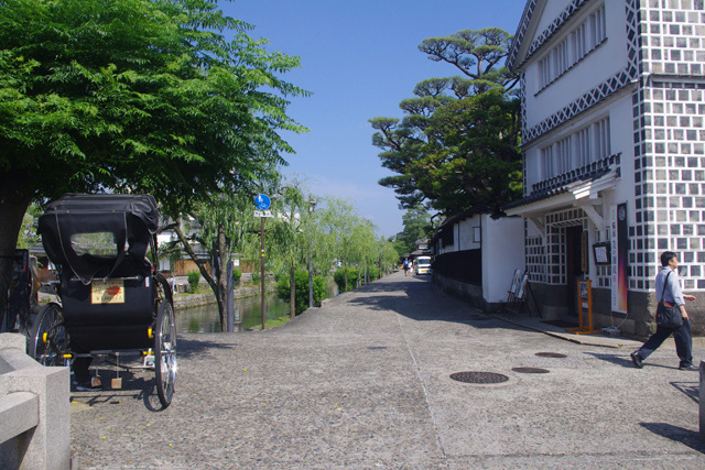 まずは岡山県内でも屈指の観光地、倉敷美観地区にやってきた。