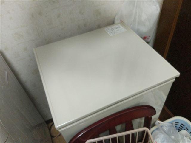 単身者向けの洗濯機並に大きい冷蔵庫には、