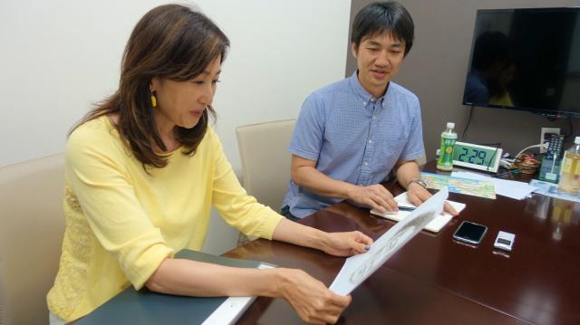 帯谷更弥佳さん(左)。普段は京都にお住まいとのことで、最初この企画のために上京してくださったのかと思ってアワアワした(ちょうど東京で仕事があったそうです)