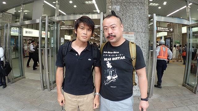 編集部安藤(左)、音楽家宮城さん(右)