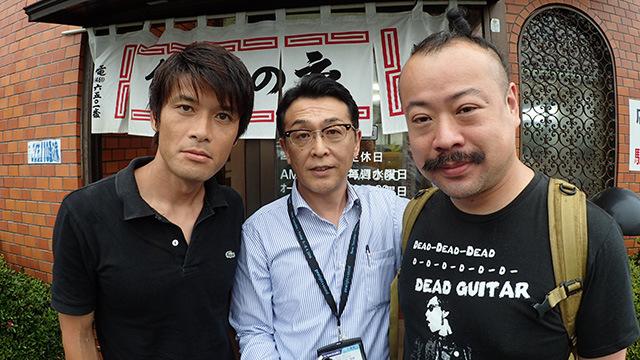 鈴木楽器製作所の多田さん(中央)