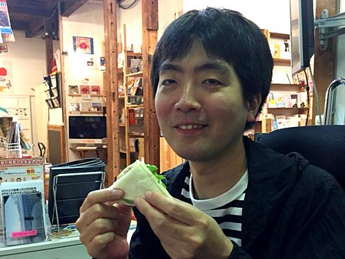 後日、大阪在住のスズキナオさんに食べていただいたところ、「そもそもパンがうまい。サンドイッチのためにあるかのようなしっとり感。さすがヤマパンです。具材は素朴な家で作ったような味わいがあってバランスも最高!」とのことでした。