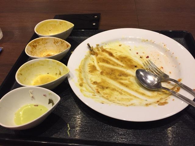 あっという間に完食。食後にいろんな味の記憶が残るので5食くらい食べたような気になる。