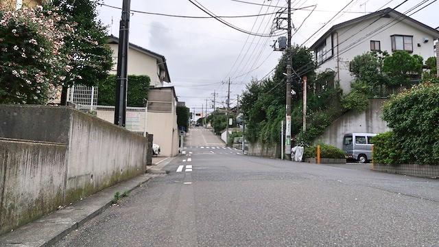 山を削って分譲した住宅地