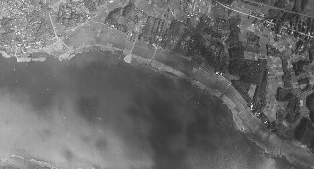 こちらは昭和30年の手賀沼の姿。ここから埋め立て地ができていく(提供 我孫子市)