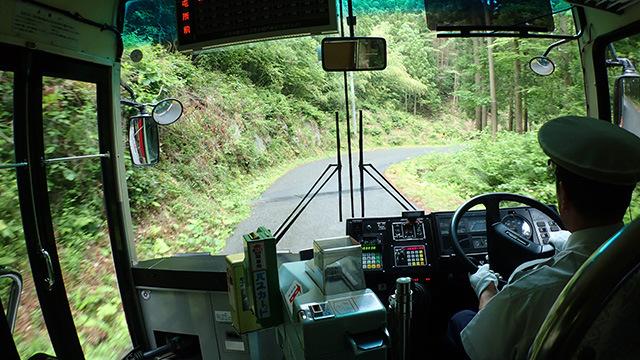 大丈夫?そこ通れる?という道を確実な運転でこなしていく運転手さんの技術こそ最先端と言っていいだろう。