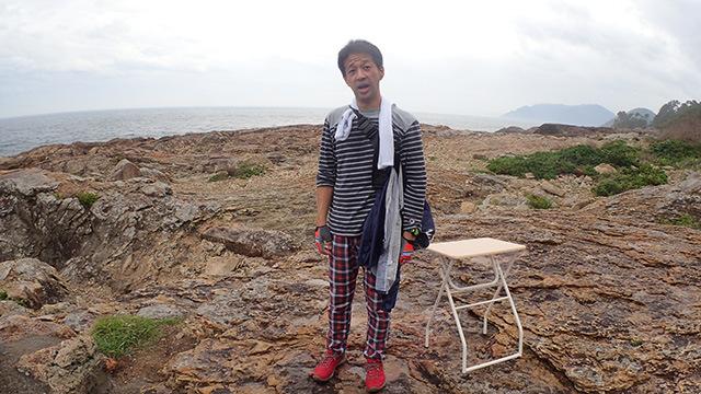 撮影担当の岩沢さんには机まで持ってきてもらいました。ありがとうございます!