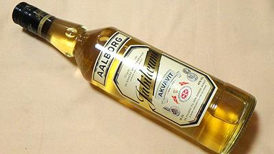 本当はジャガイモのデンプンからグラスを作り、ジャガイモから作った酒「アクアビット」を飲み、発酵や蒸留について説明しようかと思っていました。それはまたいずれ。