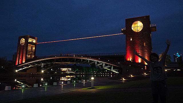 外国みたい!公園のシンボル、天門橋