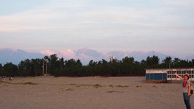 やった、今回の旅イチの立山連峰が見えた!! すごい迫力だ。