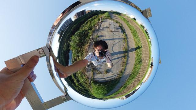 半球ミラーを使えば、こんなリトルプラネット写真も簡単に撮影できる