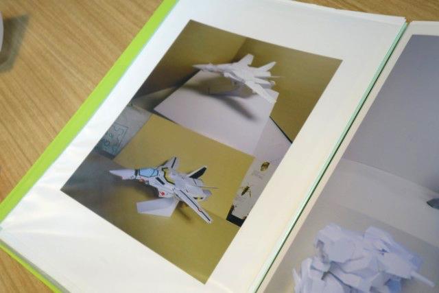 マクロスのレーザーディスクのふろくも、やっぱり絵だけ渡されて作ったという。