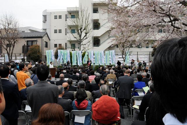 2009年4月の除幕式にも行ってるんですが、メチャクチャ盛り上がっていました!
