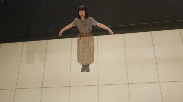 臨死体験で浮遊しているイメージ画像も作ってみた。いまドローンはこの古賀さんの視点を担っている。