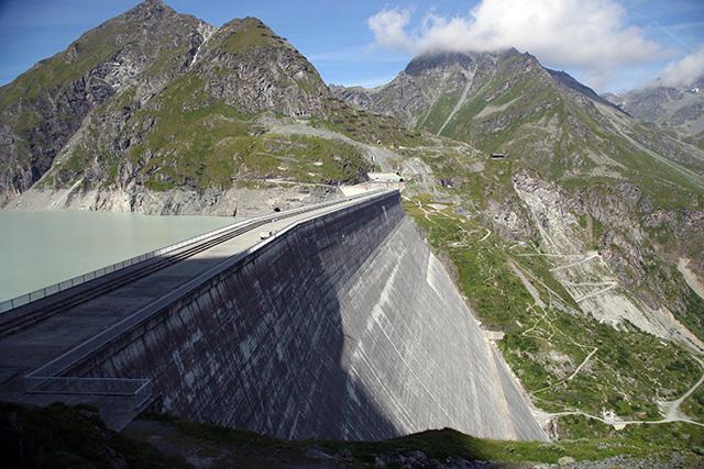 当時世界最大のコンクリートダム、Grande Dixenceダム