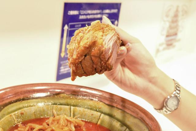 辛さに翻弄されて立派な豚肉の塊を忘れていた