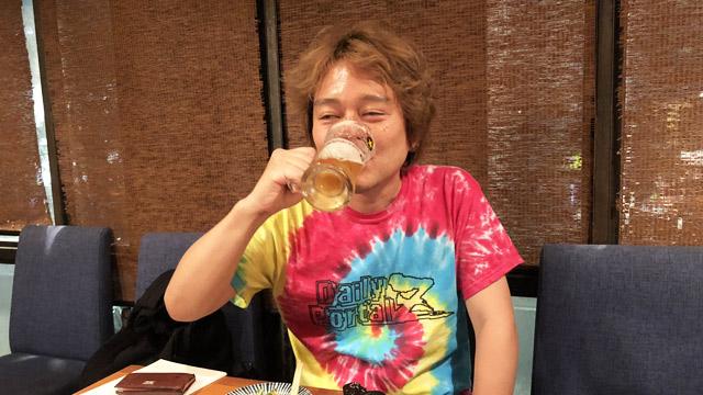 そんなわけで林さんはひとりでビールを飲みます。本当は牛乳を飲みたいはずです