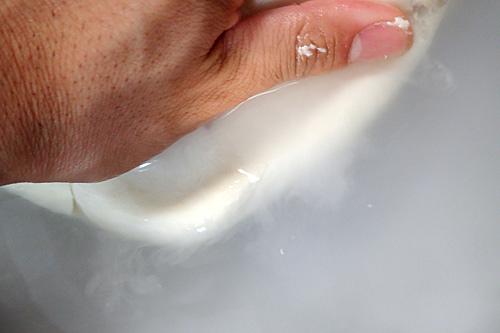 フワフワと澱粉が水に溶けていく。