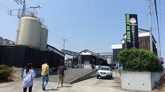 ろ過の時間には木内酒造のメインの醸造所も見学させてもらった