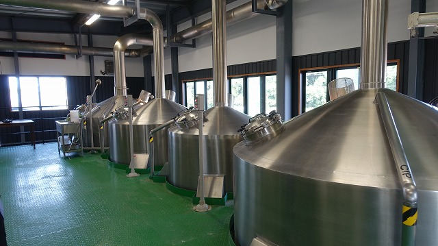 こちらは大規模な設備でダイナミックにビールを作っていてそれはまたそれでほれぼれ