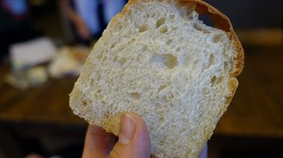 ホップ種のパンというのも食べさせてもらった。ビール充極まった
