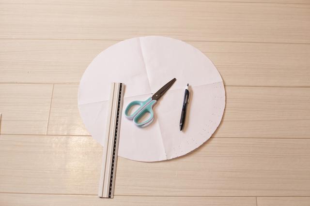 シルエット的には、50kgのボンベを参考に型紙を作った
