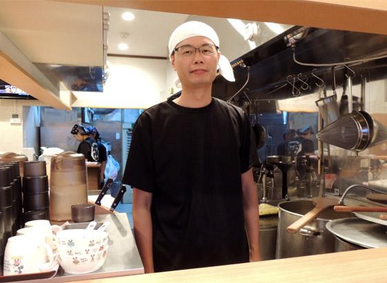 中国出身だが、日本のラーメンが好きすぎてこのお店を開いてしまってしまったという店主さん