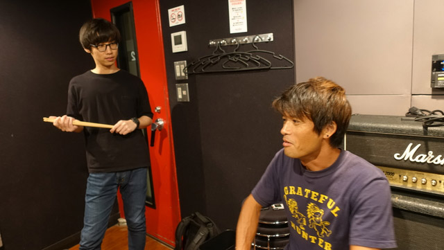 ちなみにそれぞれ初めて買ったCDは、高田さんが「ポケモン言えるかな?」、安藤さんが「CHAGE&ASKA」、江ノ島が「嘉門達夫」でした。