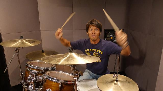 ドラムをやろうと言ってきた人、誰よりも楽しくドラムを叩いていた。