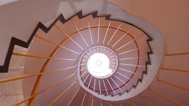 螺旋階段の様子は、以前とかわらない