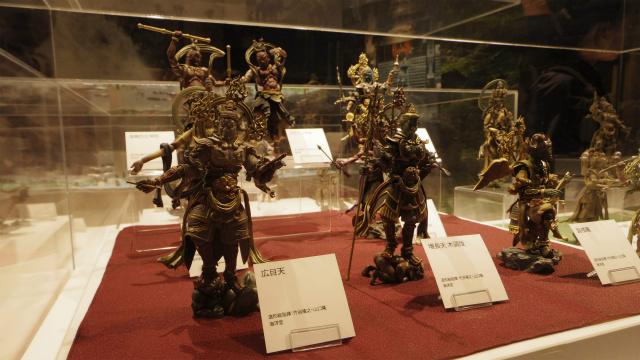 日本文化・四天王のフィギュア。なんかゴチャゴチャしててかっこいい