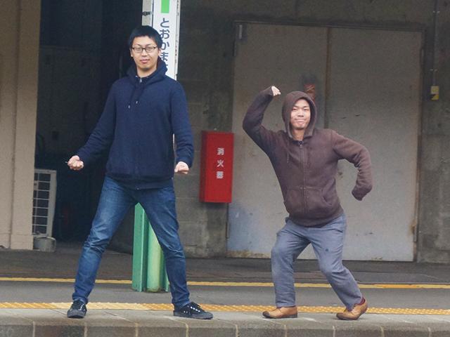 妙に離れた感じなのはのちほど説明します。左が大塚さん、右が渋江さん。