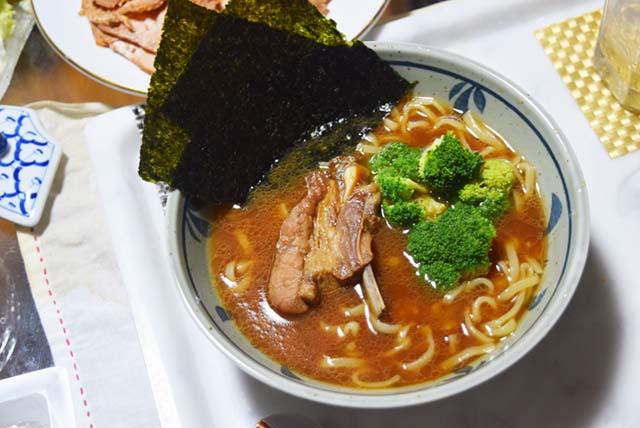 濃いめのスープに合わせたブロッコリーが印象的だった。