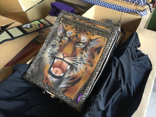 しかも蓋を開けたら虎が出た。一休さんを呼んでこい。